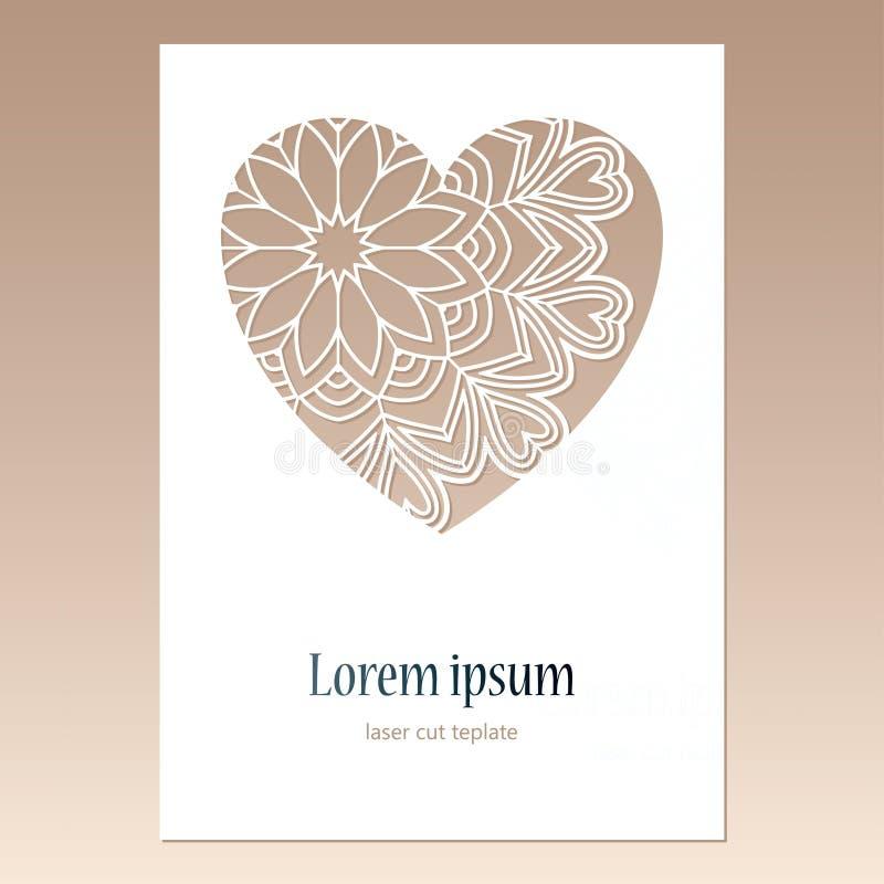 Carta con cuore openwork con il modello della mandala e spazio per testo royalty illustrazione gratis