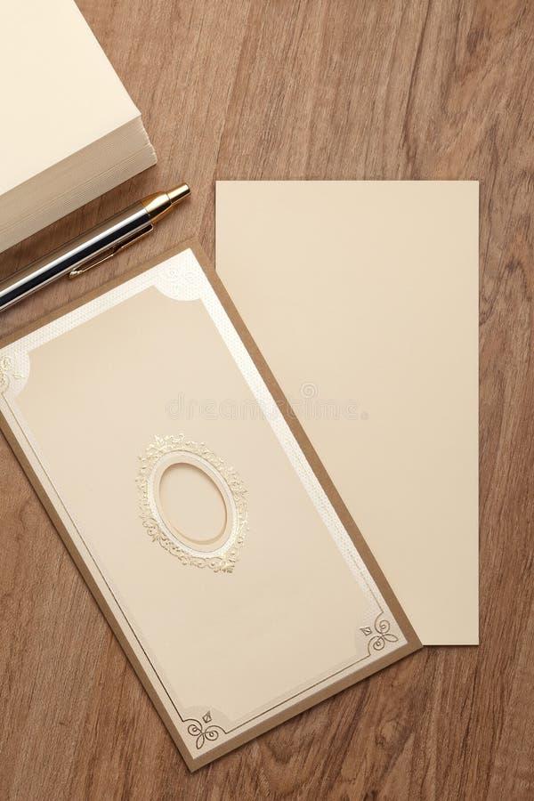 Carta d'annata in bianco dell'invito fotografia stock