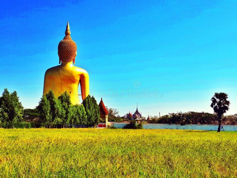 carta da parati del fondo di religione di viaggio del vecchio tempio del tempio della statua di Buddha del asiastyle bella è un s immagine stock