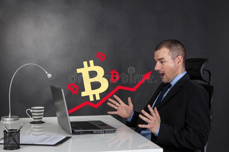 Carta da seta do negócio do crescimento de Bitcoin fotografia de stock royalty free