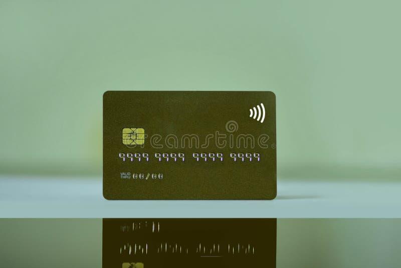 Carta di credito di Noname o carta di attività bancarie con il chip nessun diretto valido di numero e della data di identificazio immagine stock
