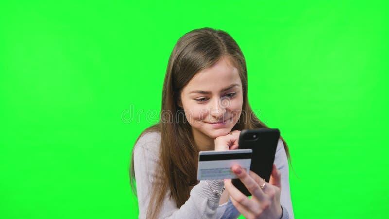 Carta di credito per la transazione online immagini stock