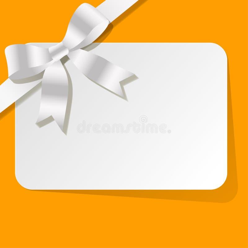 Carta di regalo con il nastro bianco della perla su un fondo giallo royalty illustrazione gratis