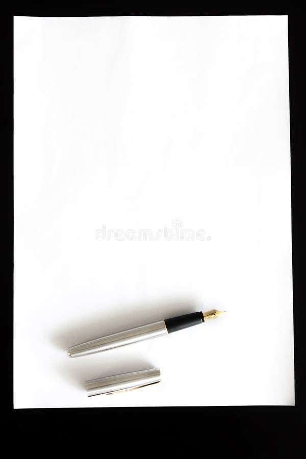 Carta e penna fotografia stock libera da diritti