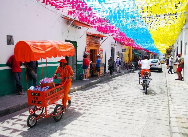 CARTAGENA, COL?MBIA, O 3 DE AGOSTO DE 2018: Cena da rua na cidade velha de Cartagena imagem de stock