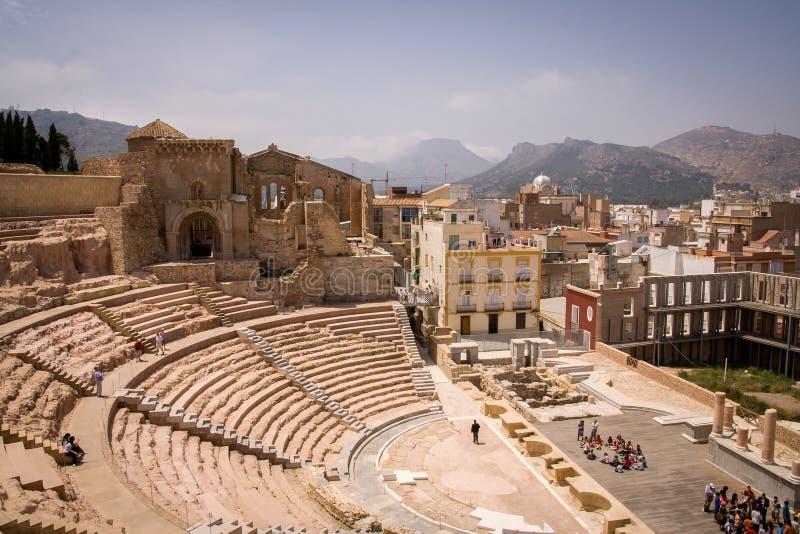 CARTAGENA, ESPANHA - 12 DE MAIO DE 2009: Roman Amphitheater e cidade velha Cartagena, Espanha fotografia de stock royalty free