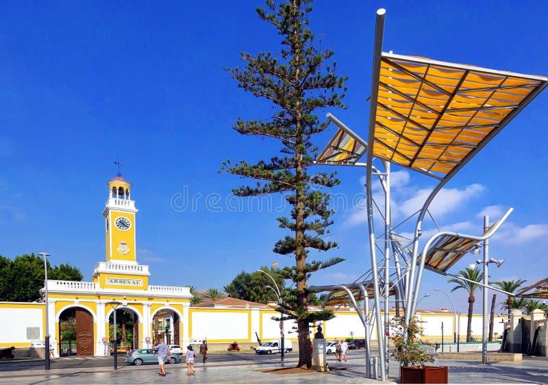 Cartagena Murcia, Spanien - Augusti 01 2018: Den konstgjorda skogen av Plaza del Rey som byggs av arkitekten Bernardino GarcÃa i  royaltyfri foto