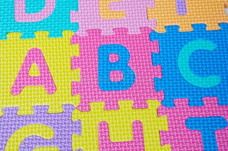 Cartas de los colores del alfabeto imagen de archivo