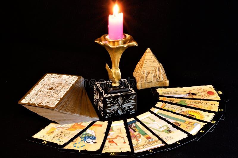 Cartas de tarot egipcias fotos de archivo