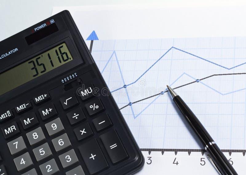 Cartas e gráficos financeiros imagem de stock royalty free