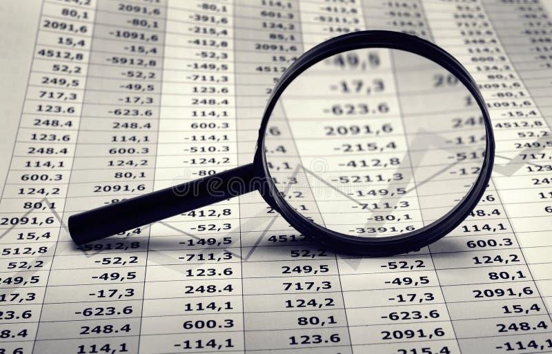 Cartas financieras y de la economía imagenes de archivo