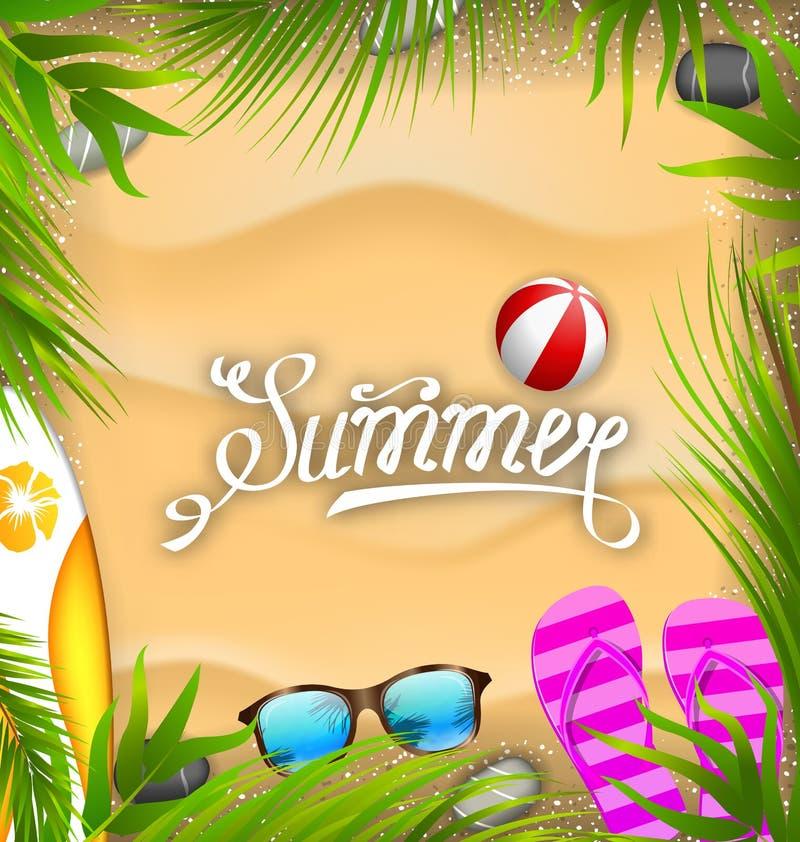 Cartaz bonito com folhas de palmeira, bola de praia, flip-flops, placa de ressaca, óculos de sol, textura da areia ilustração do vetor