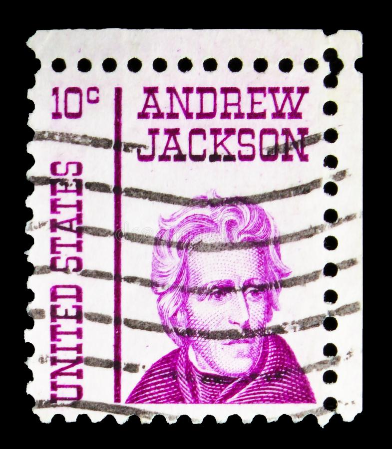 Cartaz impresso nos EUA mostra Andrew Jackson, 10 c - centavos dos Estados Unidos, série Famous americanos, por volta de 1967 fotografia de stock royalty free