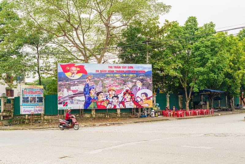 Cartazes no seção transversal em Tay Son, Vietname imagens de stock royalty free