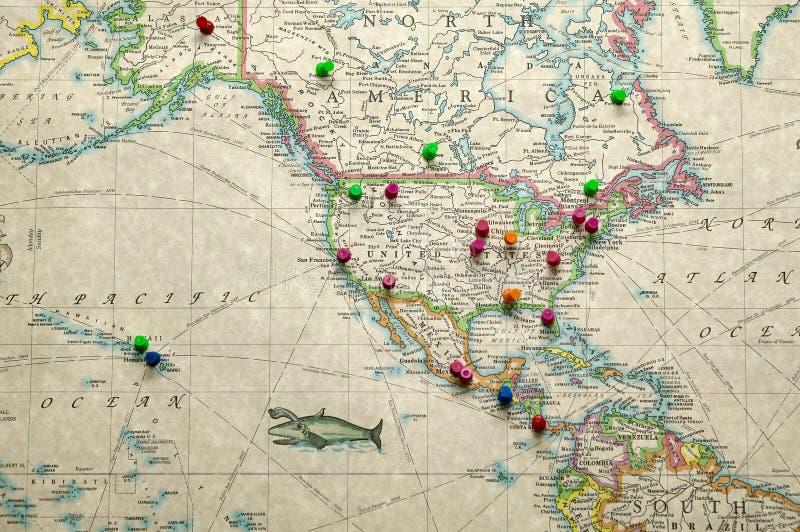 Carte antique des goupilles de marqueur de l'Amérique et de la destination photos stock