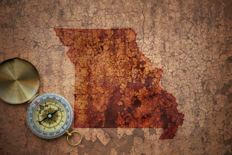 Carte d'état du Missouri sur un vieux papier de fente de vintage photo stock