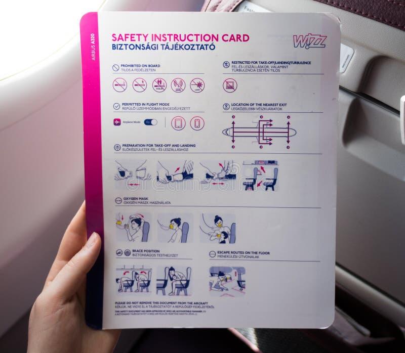 Carte d'instruction de sécurité sur un avion images stock