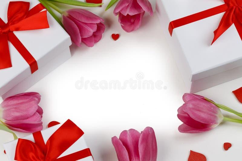 Carte de coeurs de tulipes roses photo libre de droits