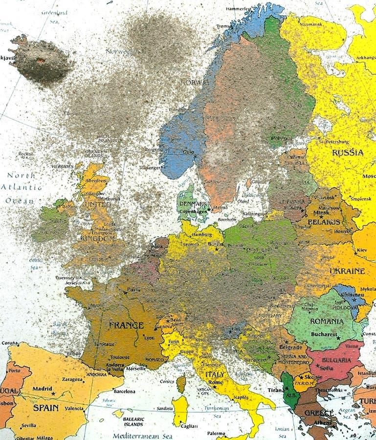 Carte de l'Europe avec la poussière 2 de volcan photographie stock libre de droits