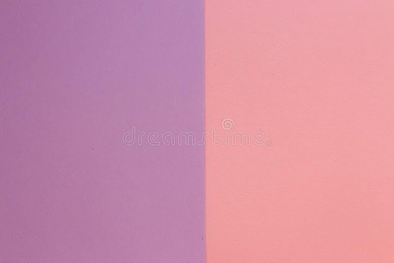 Carte de modèle rose et bleu-clair Carton de couleur en pastel Papier peint coloré avec l'espace de copie images libres de droits