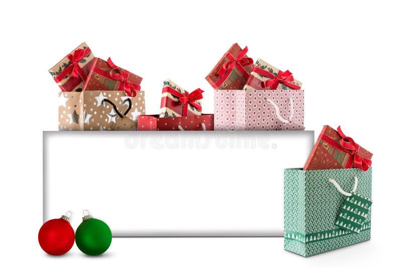 Carte de Noël avec des boules et des cadeaux de Noël à marquer image stock