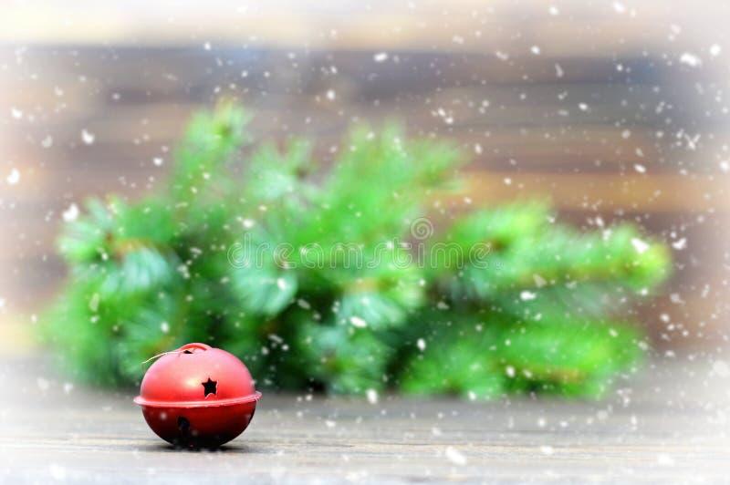 Carte de Noël avec le tintement du carillon images libres de droits