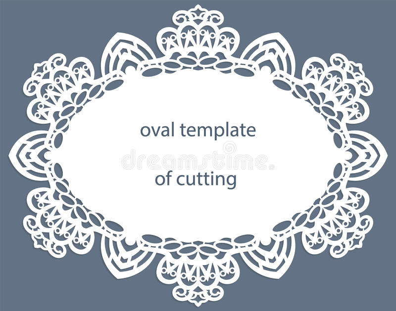 Carte de voeux avec la frontière ovale à jour, napperon de papier sous le gâteau, calibre pour couper, épousant l'invitation, pla illustration de vecteur