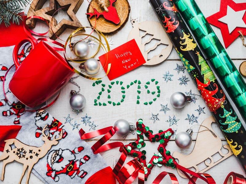 Carte de voeux de bonne année Décorations colorées de Noël photographie stock libre de droits