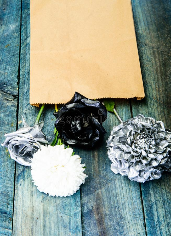 Carte de voeux de cru rétro conception à la maison richesse et richesse grunge Jour de Valentine lettre de papier d'amour Noir ar photos stock