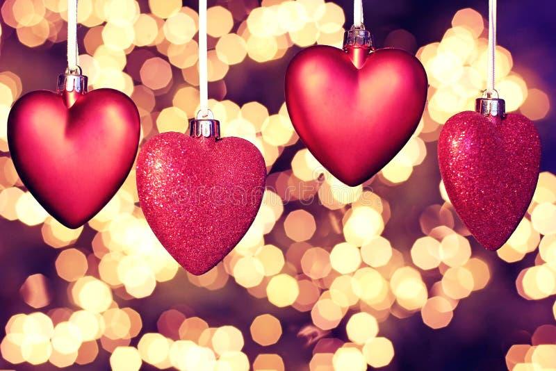 Carte de voeux heureuse de jour de Valentines beaux coeurs rouges photo libre de droits