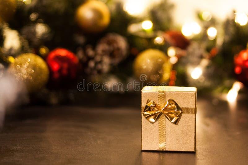 Carte de voeux de Joyeux Noël et de bonne année avec le copie-espace Fond de l'hiver images libres de droits