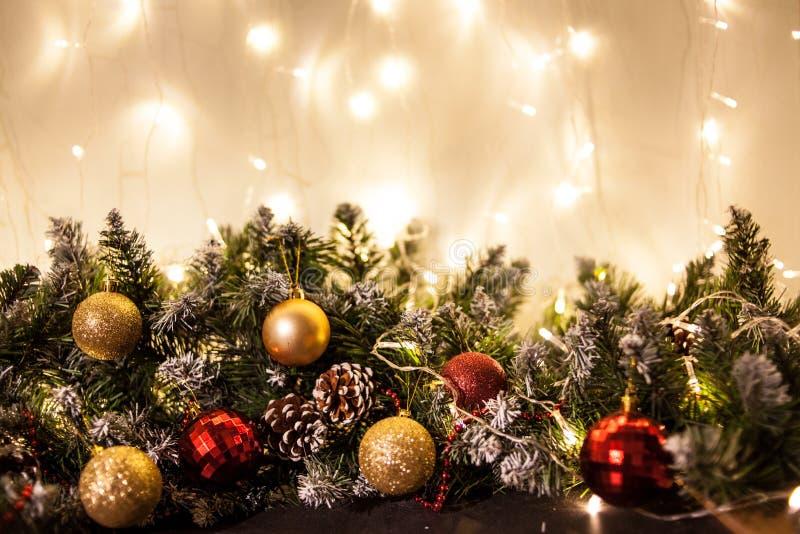 Carte de voeux de Joyeux Noël et de bonne année avec le copie-espace Fond de l'hiver photographie stock libre de droits