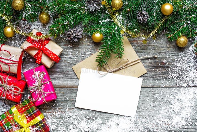 Carte de voeux pendant les vacances et la bonne année de Noël photos libres de droits