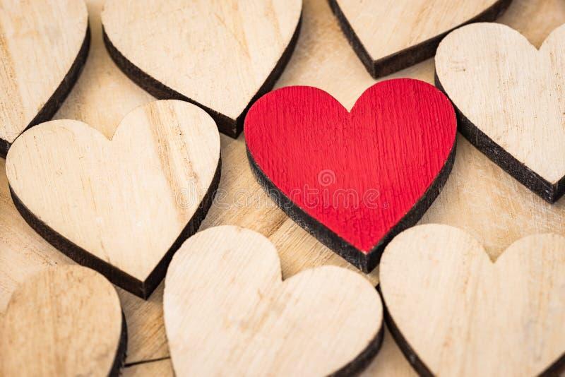 Carte de voeux de Valentine Day avec le fond de coeurs d'amour photographie stock