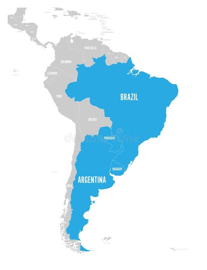 Carte des countires de MERCOSUR Association commerciale sud-américaine Etats membres accentués bleus Brésil, Paraguay, Uruguay illustration de vecteur