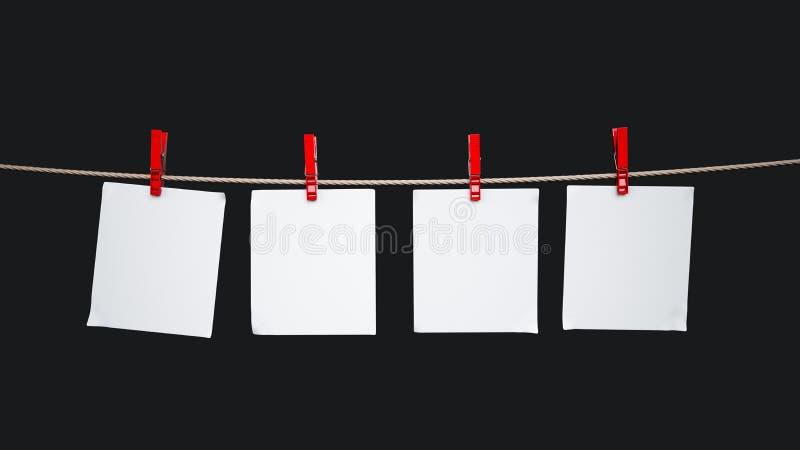 Carte di carta che appendono sulla corda immagini stock