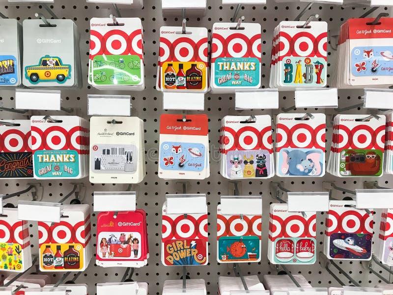 Carte di regalo dell'obiettivo fotografie stock libere da diritti