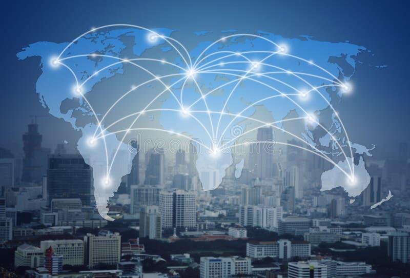 Carte du monde avec le réseau global et la ville photos stock