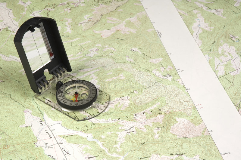 Carte et compas de Topo image libre de droits