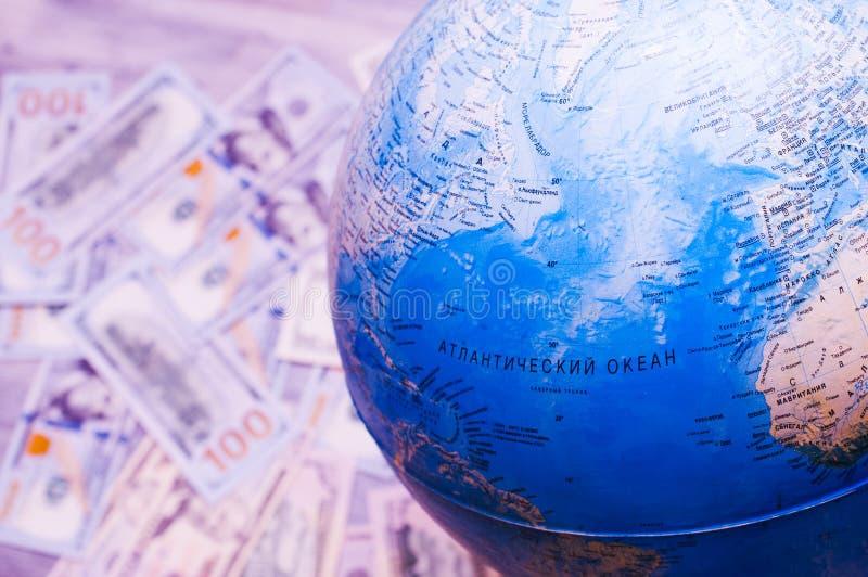 Carte globale du monde Carte pour le voyage et l'argent photo stock