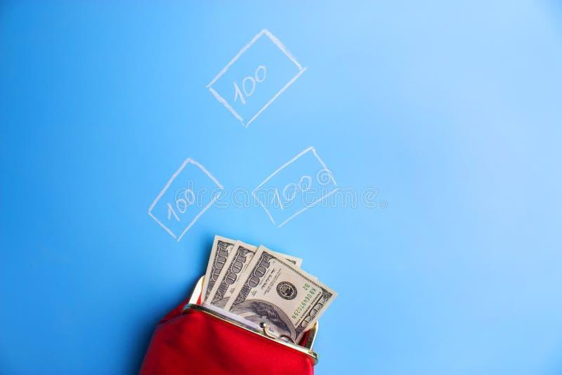 carteira de couro vermelha com dinheiro foto de stock royalty free