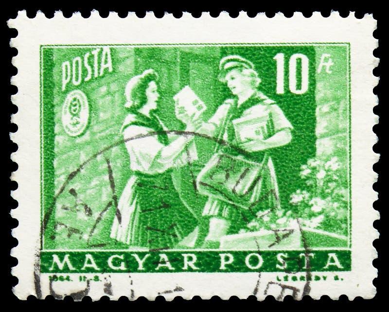 Carteiro do pioneiro e da mulher da menina, serie do transporte e da telecomunicação, cerca de 1964 imagem de stock royalty free