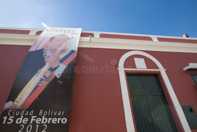 Cartel de Hugo Chavez en la ciudad colonial de Ciudad Bolivar, Venezuela foto de archivo libre de regalías