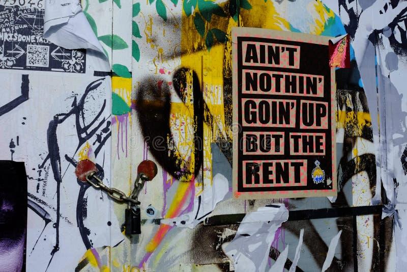 Cartel de la protesta contra alquiler y costes de vivienda foto de archivo