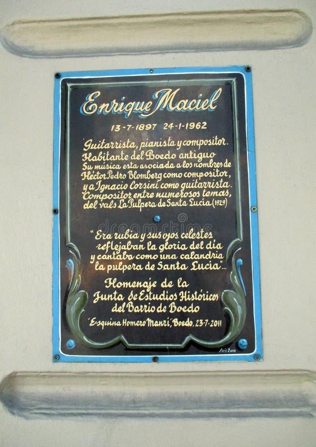 Cartel filmado en homenaje a Enrique Maciel Boedo Buenos Aires la Argentina foto de archivo