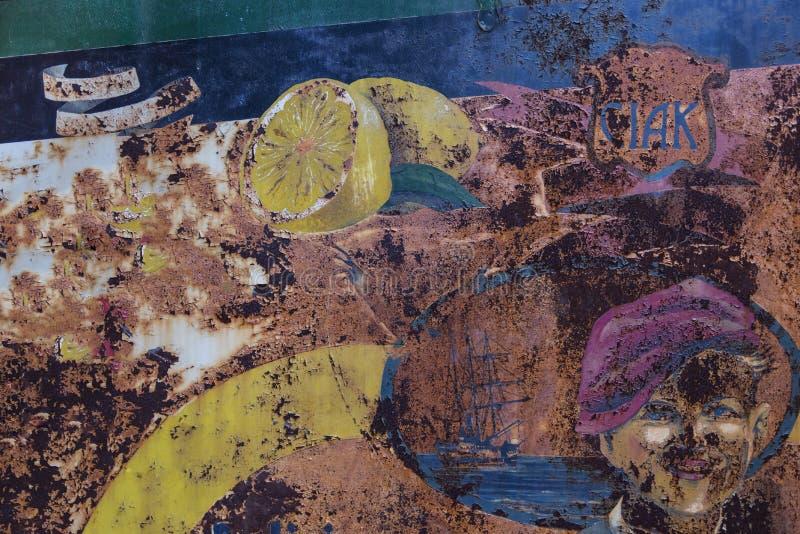 Cartelera coloreada vieja imagen de archivo