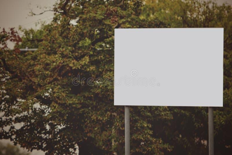 Cartelera en blanco imagen de archivo