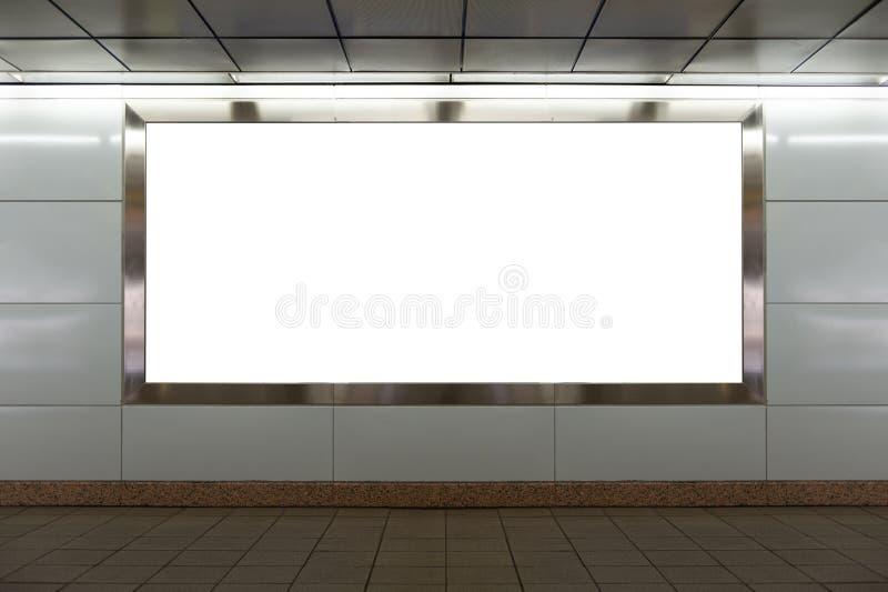 Cartelera en blanco grande en una pared de la calle foto de archivo libre de regalías