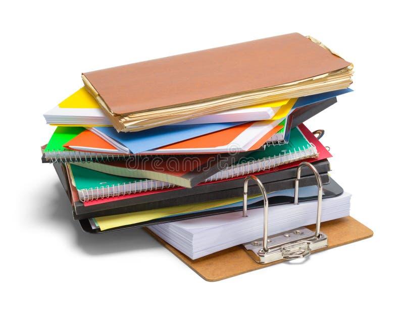Cartelle di archivi e pila della lavagna per appunti immagini stock libere da diritti