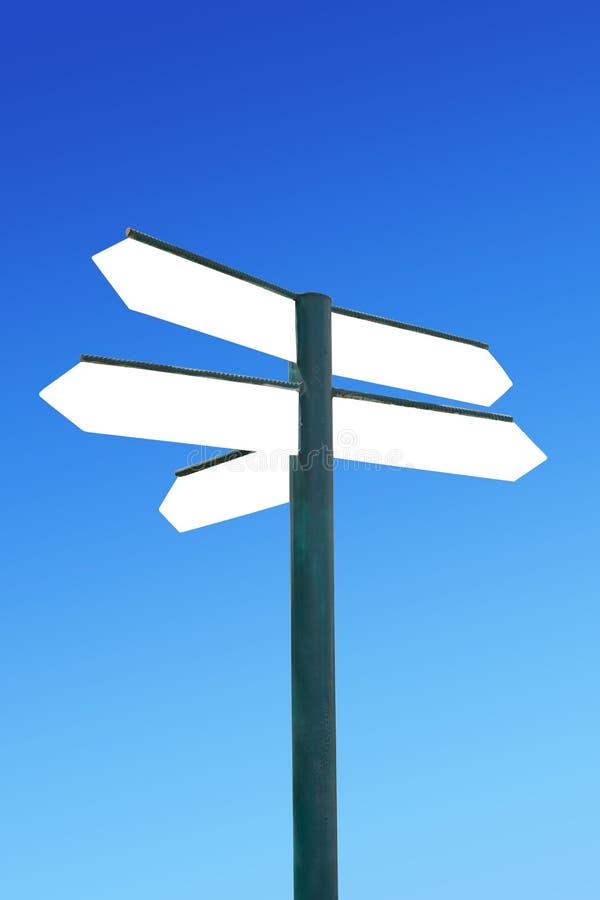 Cartello di direzione con le frecce in bianco fotografia stock libera da diritti